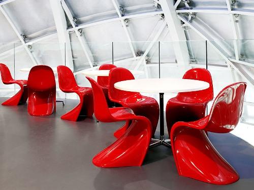 дизайнерски проект за маси и столове